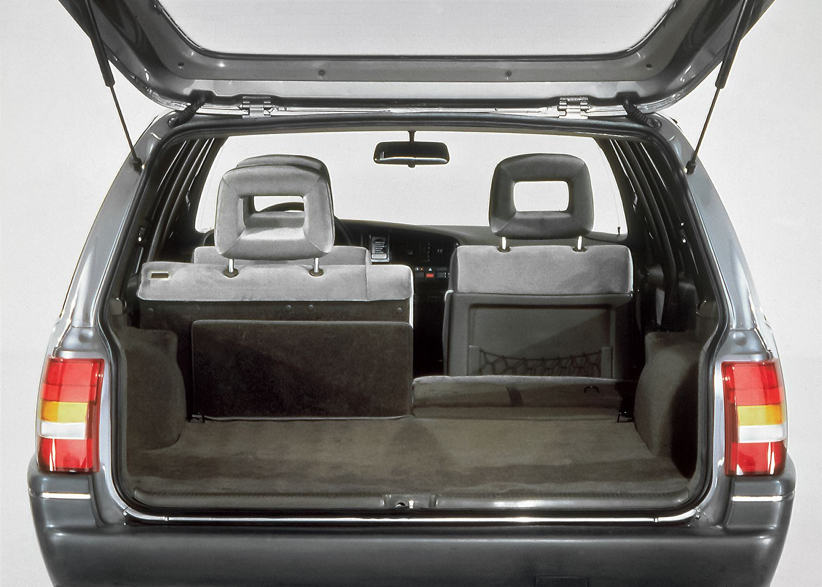 Opel Omega A Caravan, 1986