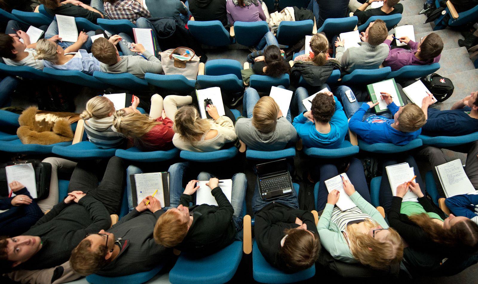 Studenten / Hörsaal