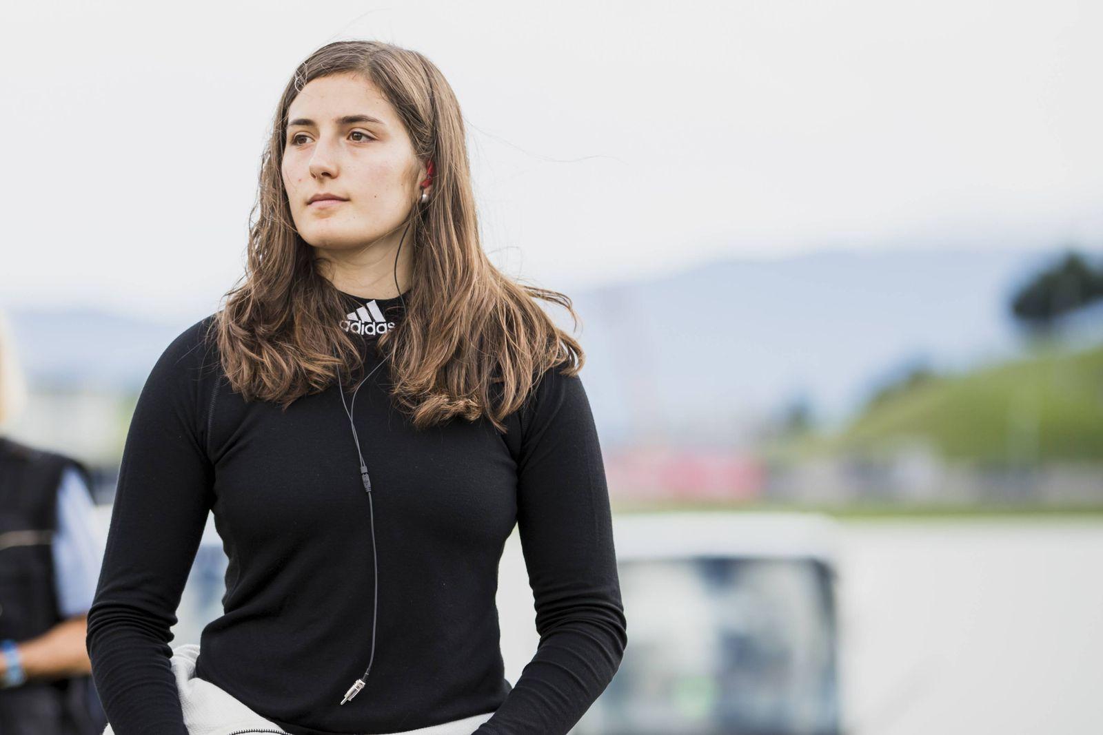 EINMALIGE VERWENDUNG Tatiana Calderon