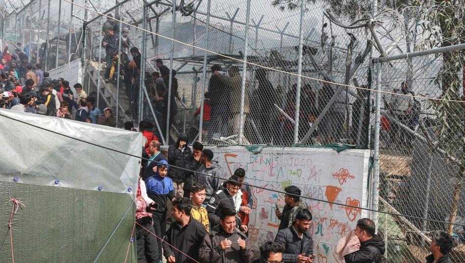 Brand im provisorischen Zeltlager auf Lesbos: Hier leben mehr als 19.000 Menschen unter sehr schlechten Bedingungen