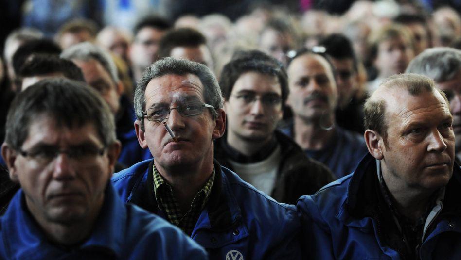 Beschäftigte in Deutschland (bei VW): Wieder mehr Geld in der Tasche