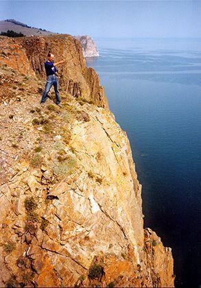 Schwindel erregende Ausblicke vom Rand der Steilküste