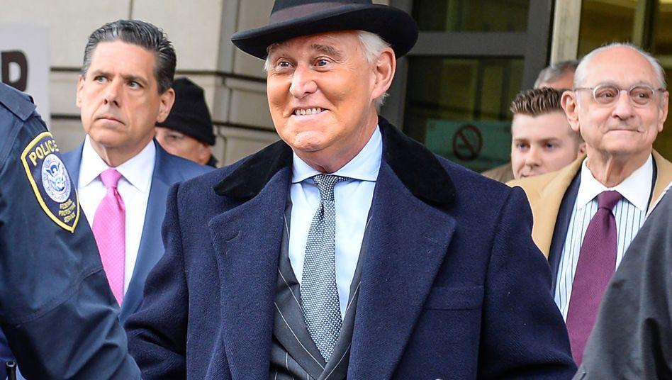 Roger Stone nach Verkündung des Strafmaßes in Washington - es fiel deutlich geringer aus als die Staatsanwälte empfohlen hatten