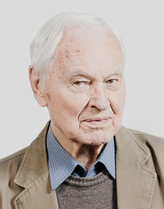 Hans Modrow, born in 1928: As a enlistee with the Volksturn, as the Nazi army was called in the final days of the war, he wound up in Soviet captivity at the age of 17. He would later become a communist in Moscow.