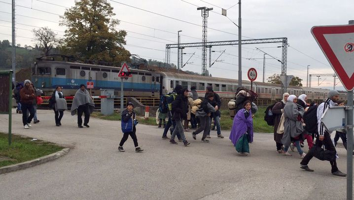 Flüchtlinge in Slowenien: Versteckspiel an der Grenze