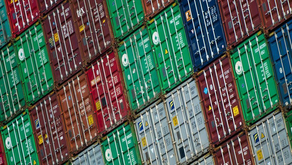 Container im Hamburger Hafen: Gabriel sollte bohrende Fragen stellen