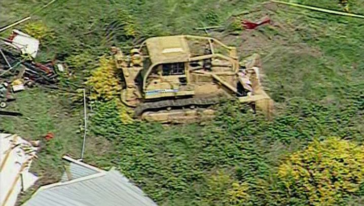 Wütender Nachbar: Mit dem Bulldozer auf Amokfahrt