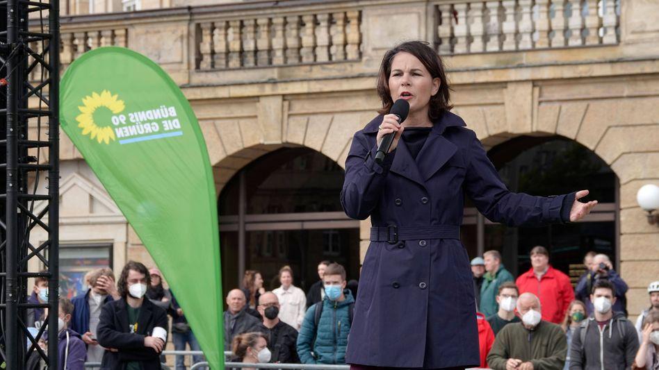 Annalena Baerbock hat sich in Chemnitz zum Hungerstreik einer Gruppe von Klimaaktivisten geäußert