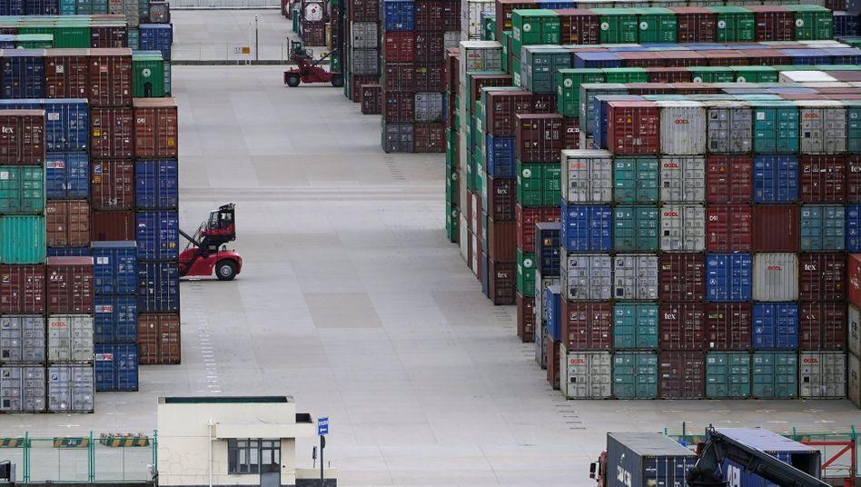 Container-Umschlag in Shanghai: Interessen klarer und deutlicher formulieren