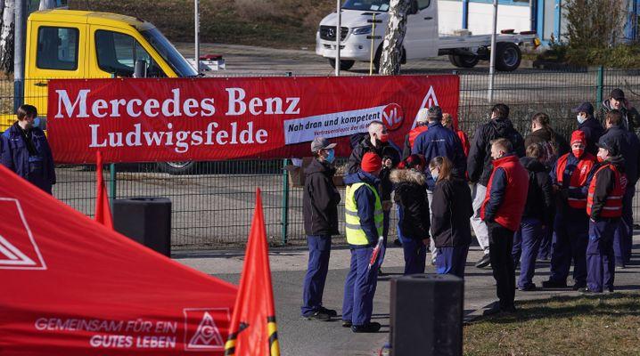 Protest am Mercedes-Werk Ludwigsfelde