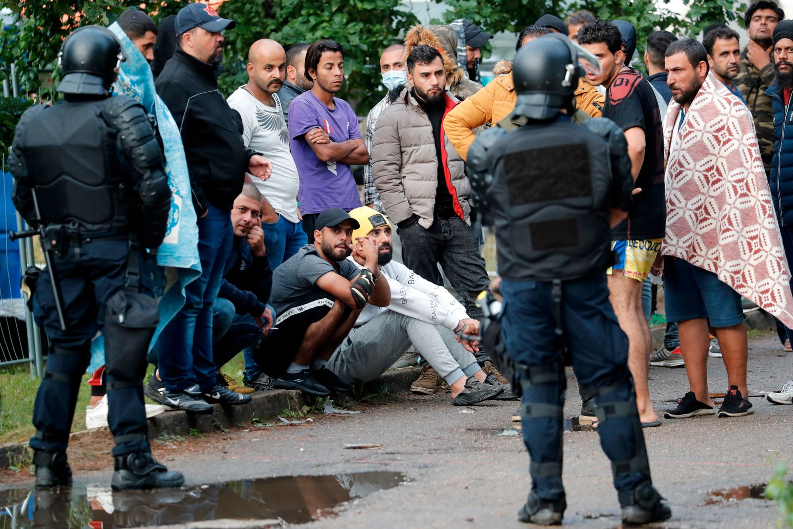 Migrants at Rundninkai detention center