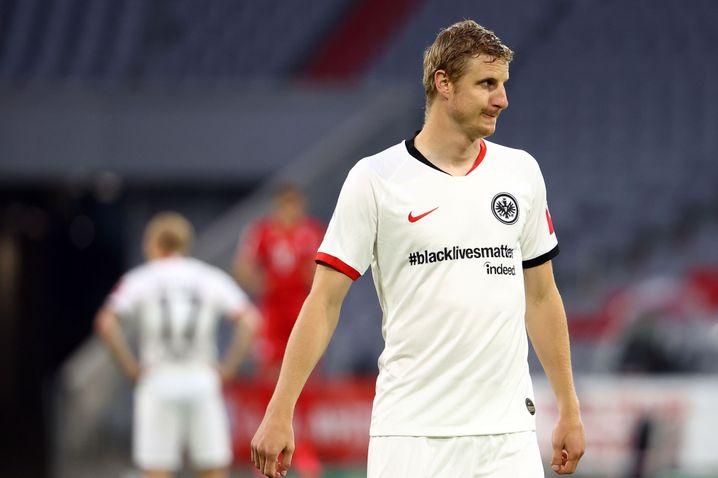 Martin Hinteregger im Sondertrikot von Eintracht Frankfurt