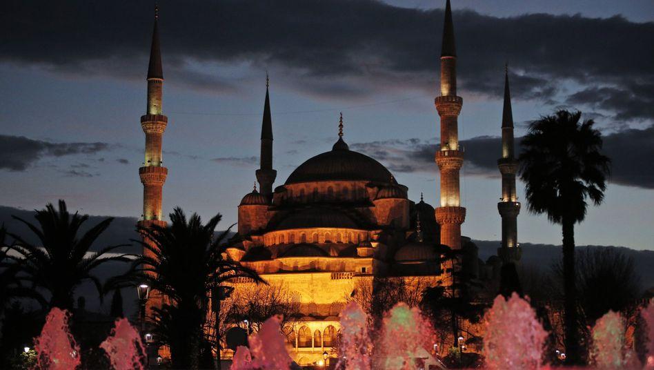 """Blaue Moschee in Istanbul: """"Sehr wahrscheinlich, dass es ein gezielter Angriff auf Deutsche war"""""""