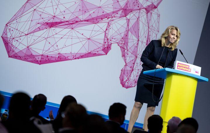 """Ehemalige FDP-Generalsekretärin Linda Teuteberg auf dem Parteitag in Berlin-Neukölln: """"Es war mir eine Ehre und meistens eine Freude"""""""