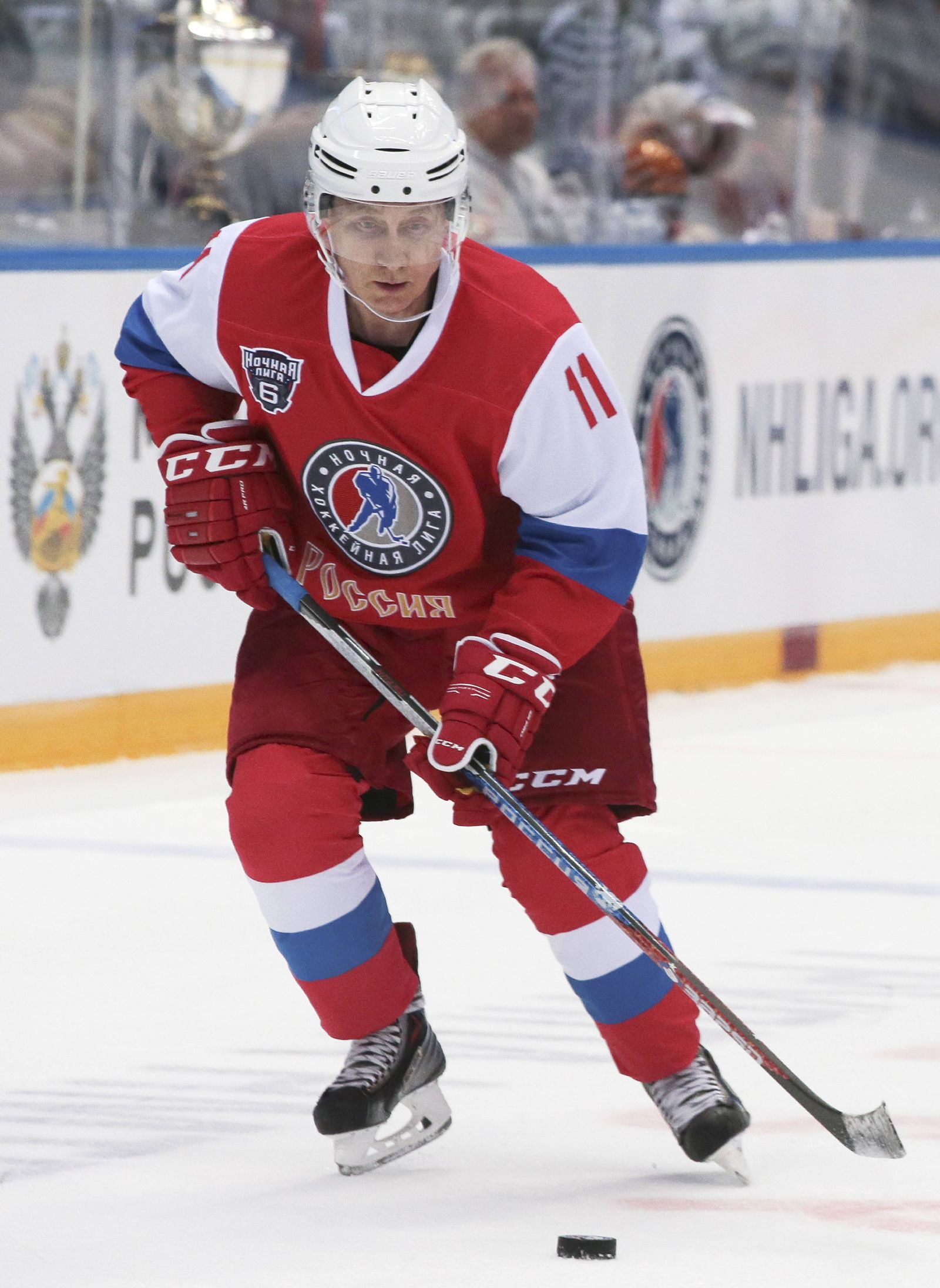 EINMALIGE VERWENDUNG Putin/ Eishockey