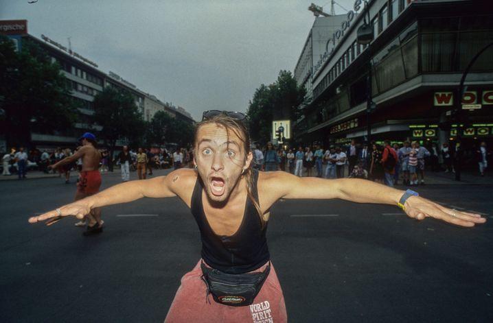 Kurfürstendamm, 1994: Ein Loveparade-Partygänger