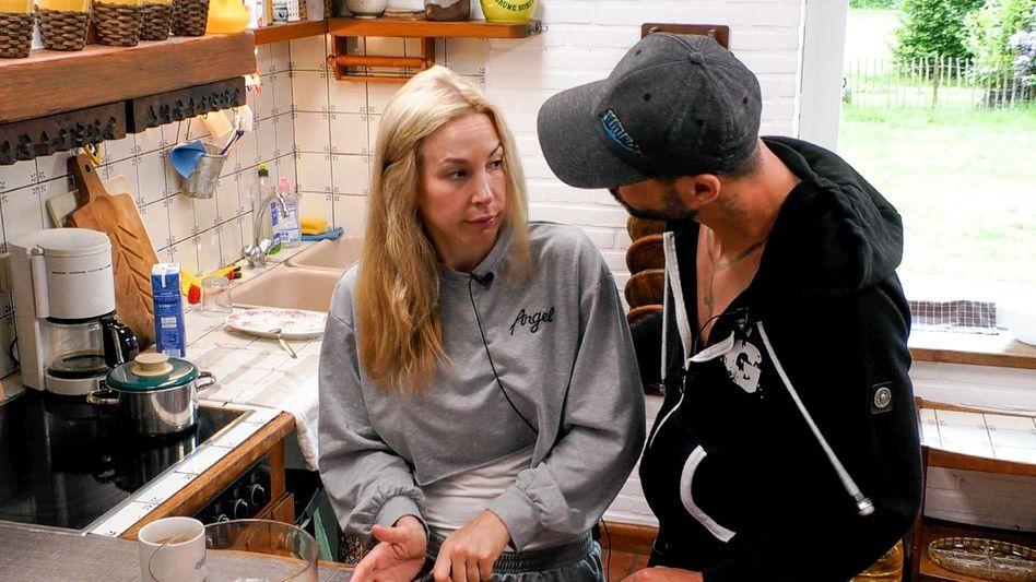 Michelle Monballijn und Mike Cees: »Fehlendes Selbstbewusstsein« oder unzumutbarer Übergriff?