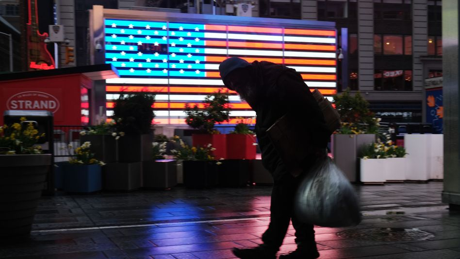 Times Square in New York: Kaum verhüllte Retourkutsche an Trump