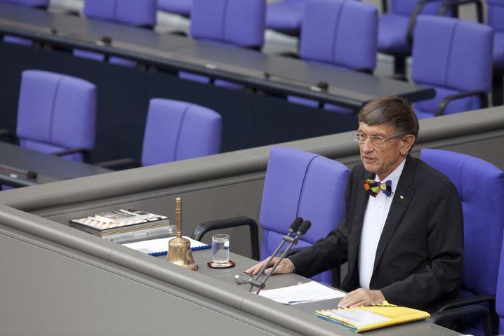 Alterspräsident Riesenhuber: Er eröffnet die Sitzung