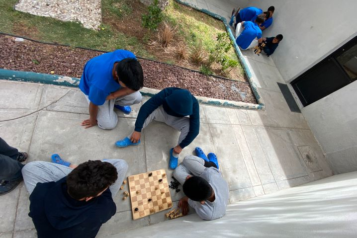 Children play in the courtyard of the Noemi Alvarez Quillay shelter.