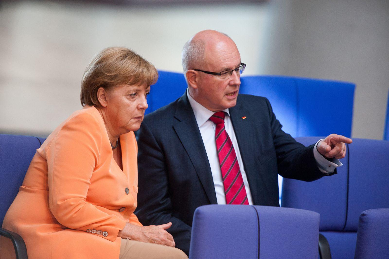 Kauder / Merkel