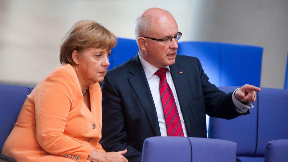 """Kanzlerin Merkel, Fraktionschef Kauder: """"Solidarität unter Freunden"""""""