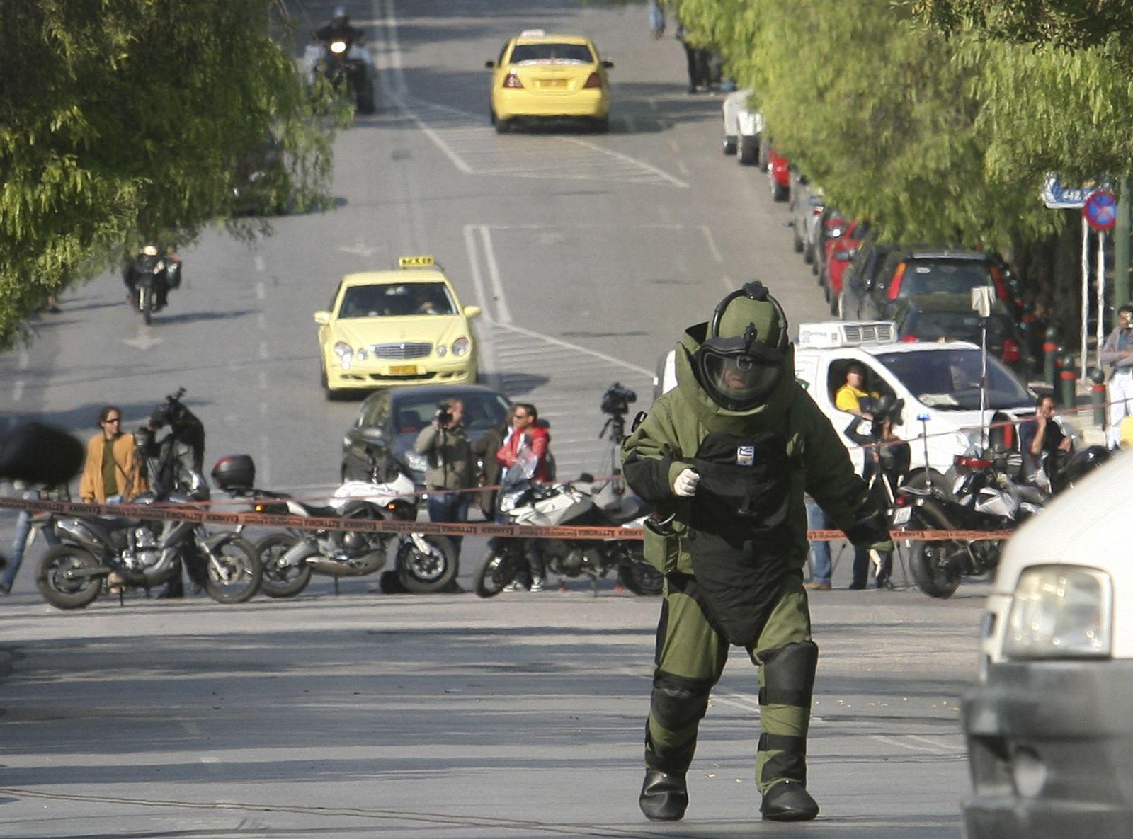 Greece bomb scare