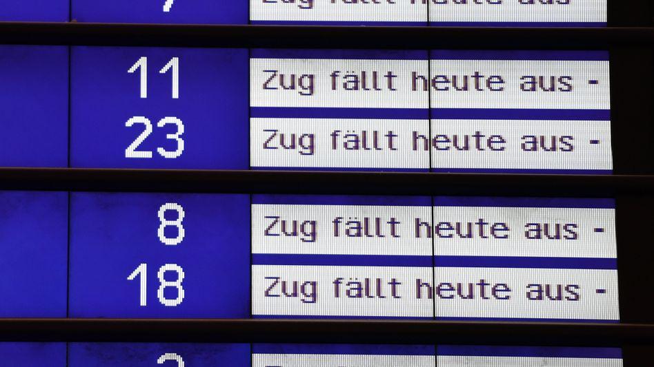 Anzeigetafel am Dortmunder Hauptbahnhof (Archiv)