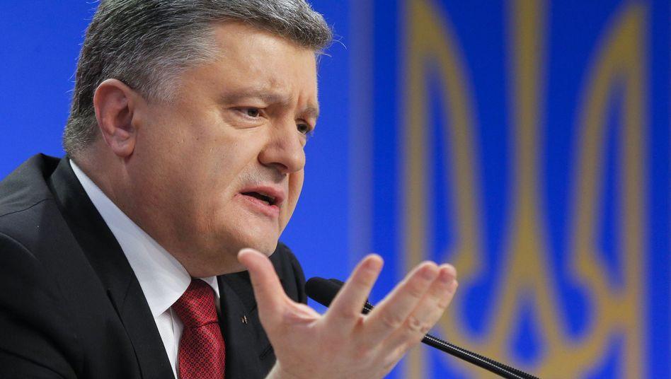 Ukrainischer Präsident Poroschenko: Rotation der Einheiten im Donbass verbessern