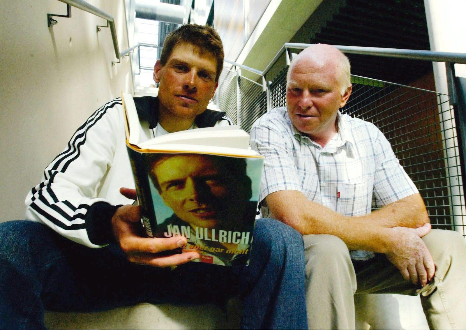 Radsport: Buchvorstellung Jan ULLRICH 2004
