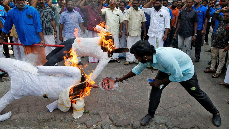Ausschreitungen in Neu-Delhi: Umstrittenes Einbürgerungsgesetz