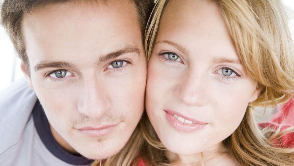 Paar: Bildung, Alter, Herkunft und Gene sind sich besonders ähnlich