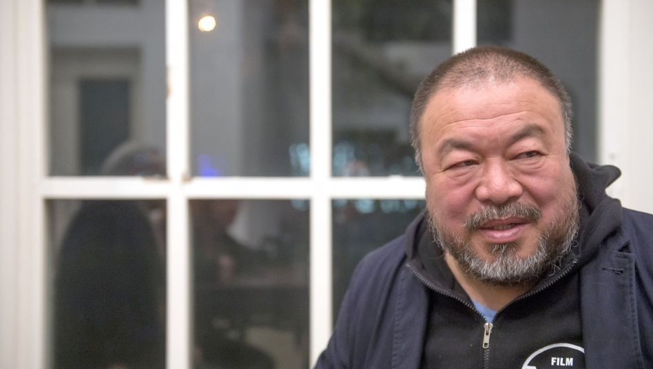 "Chinese artist Ai Weiwei in Beijing: ""The Internet has established a public sphere and developed a pressure which the government can no longer ignore."""