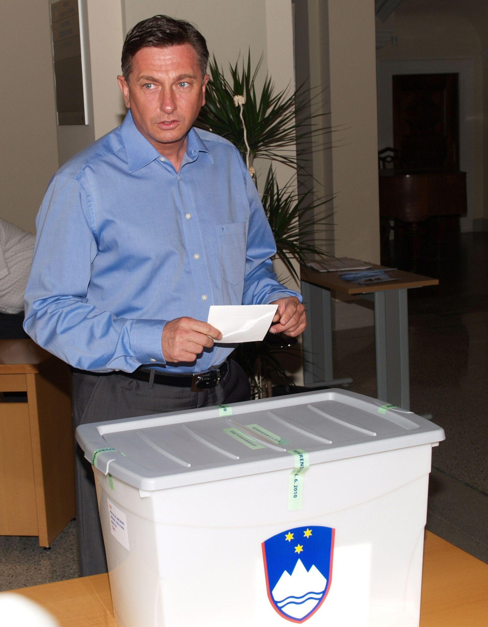 SLOVENIA-CROATIA-EU-REFERENDUM