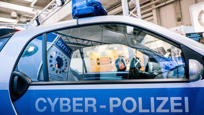Fotostrecke zur Cebit 2017: Cyberpolizisten und Sushi-Roboter
