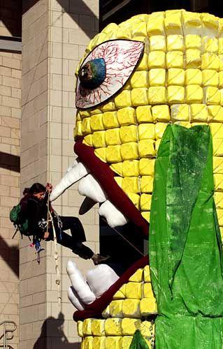 Protestaktion gegen manipulierten Mais: Greenpeace wirft Monsanto Tricksereien vor