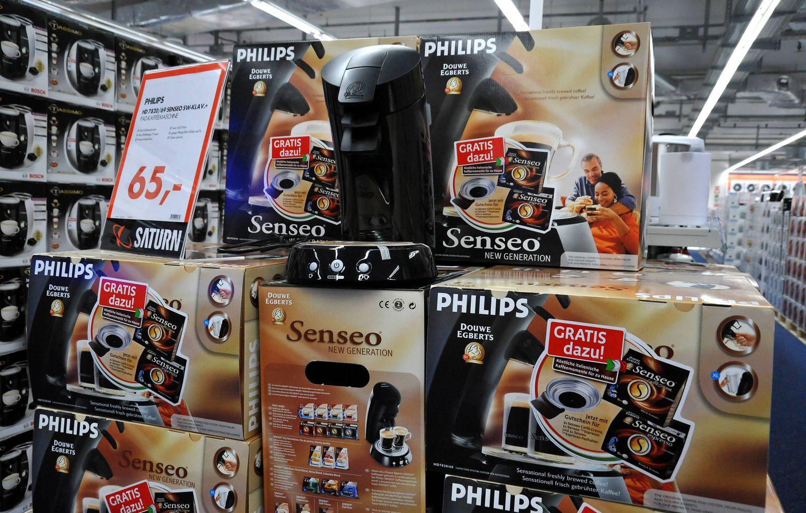 Philips Senseo Espressomaschinen w‰hrend der Neuerˆffnung der Saturn-Filiale am Alexanderplatz, Berlin