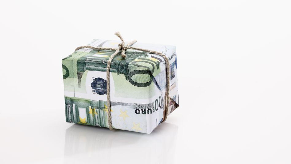 Ein Batzen Geld, je nach Erfolg: Damit soll für Manager in der Schweiz bald Schluss sein