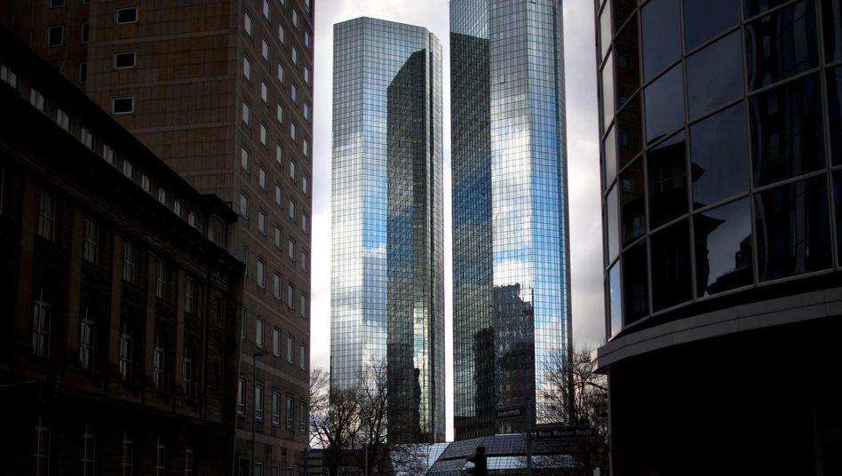 Zentrale der Deutschen Bank in Frankfurt am Main: Hoher Puffer für Prozesse
