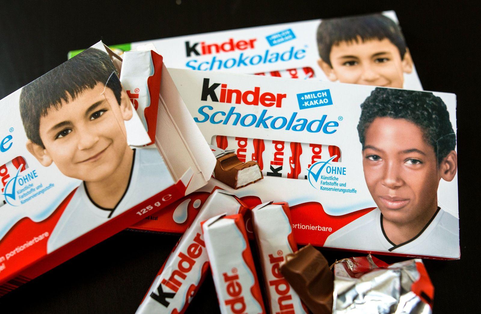 Fußball-Nationalspieler auf Kinderschokolade-Packung