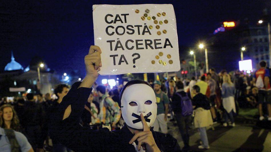Protest gegen die Goldmine Rosia Montana in Bukarest 2013: Der Konzern zog vor ein Schiedsgericht