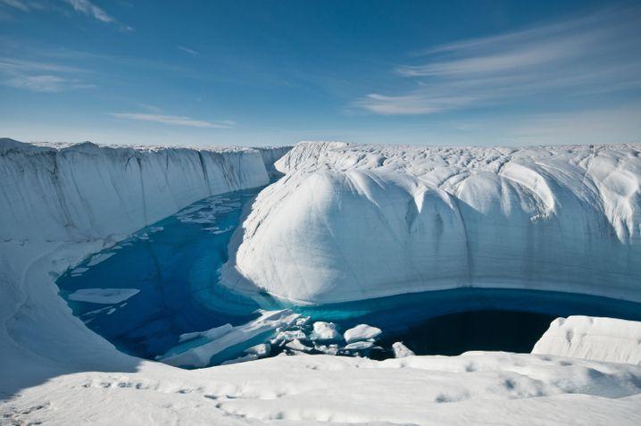 Das gesamte Grönlandeis könnte den Meeresspiegel um 7,4 Meter steigen lassen