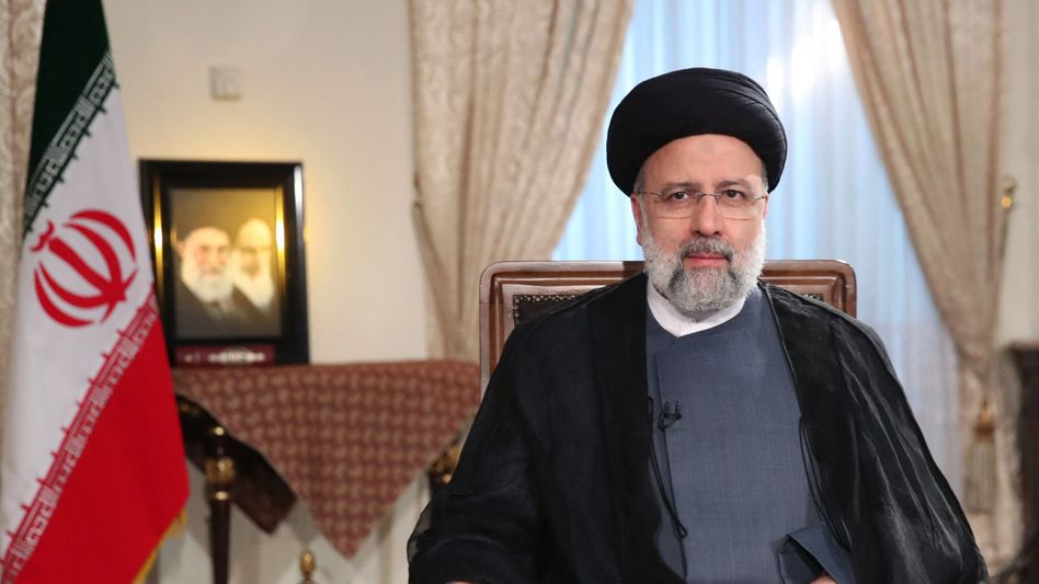 Präsident Ebrahim Raisi bei einem Interview (Archivbild)