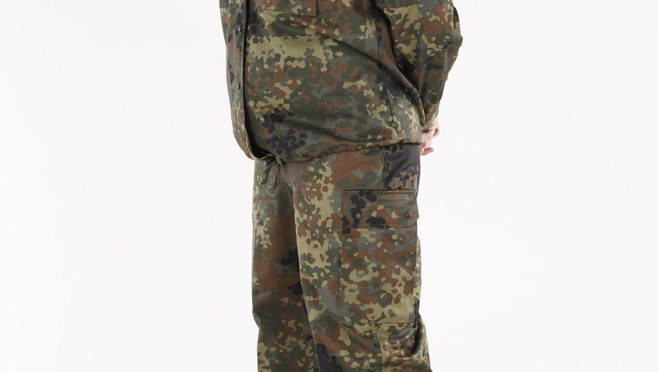 Feldbekleidung für schwangere Soldatinnen