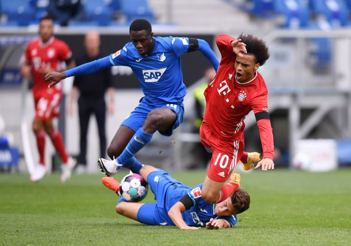 TSG-Mittelfeldspieler Diadié Samassékou, Bayern-Star Leroy Sané: Wohin mit dem Ball?