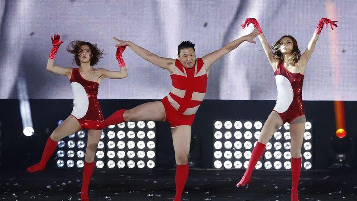 Konzert in Seoul: Psy zeigt eine verrückte Bühnenshow