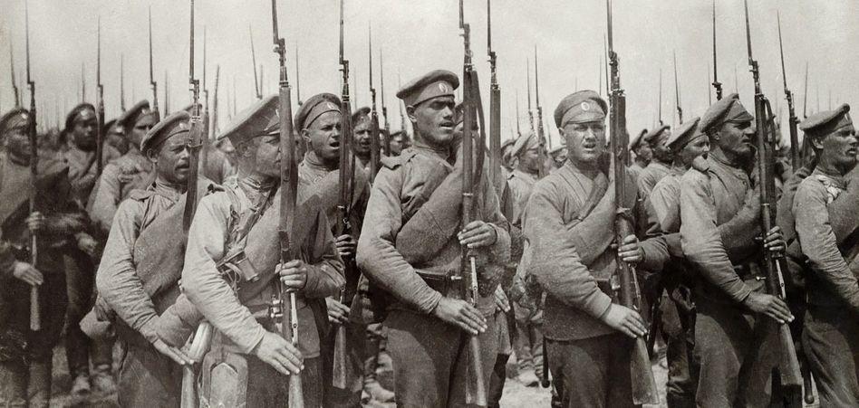 Soldaten der zaristischen Armee Die Russen wussten nicht, wofür sie in diesem Krieg sterben sollten