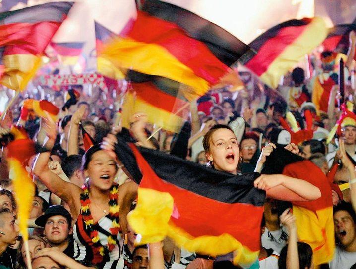 Fans bei der Weltmeisterschaft 2006: Fröhlicher Patriotismus