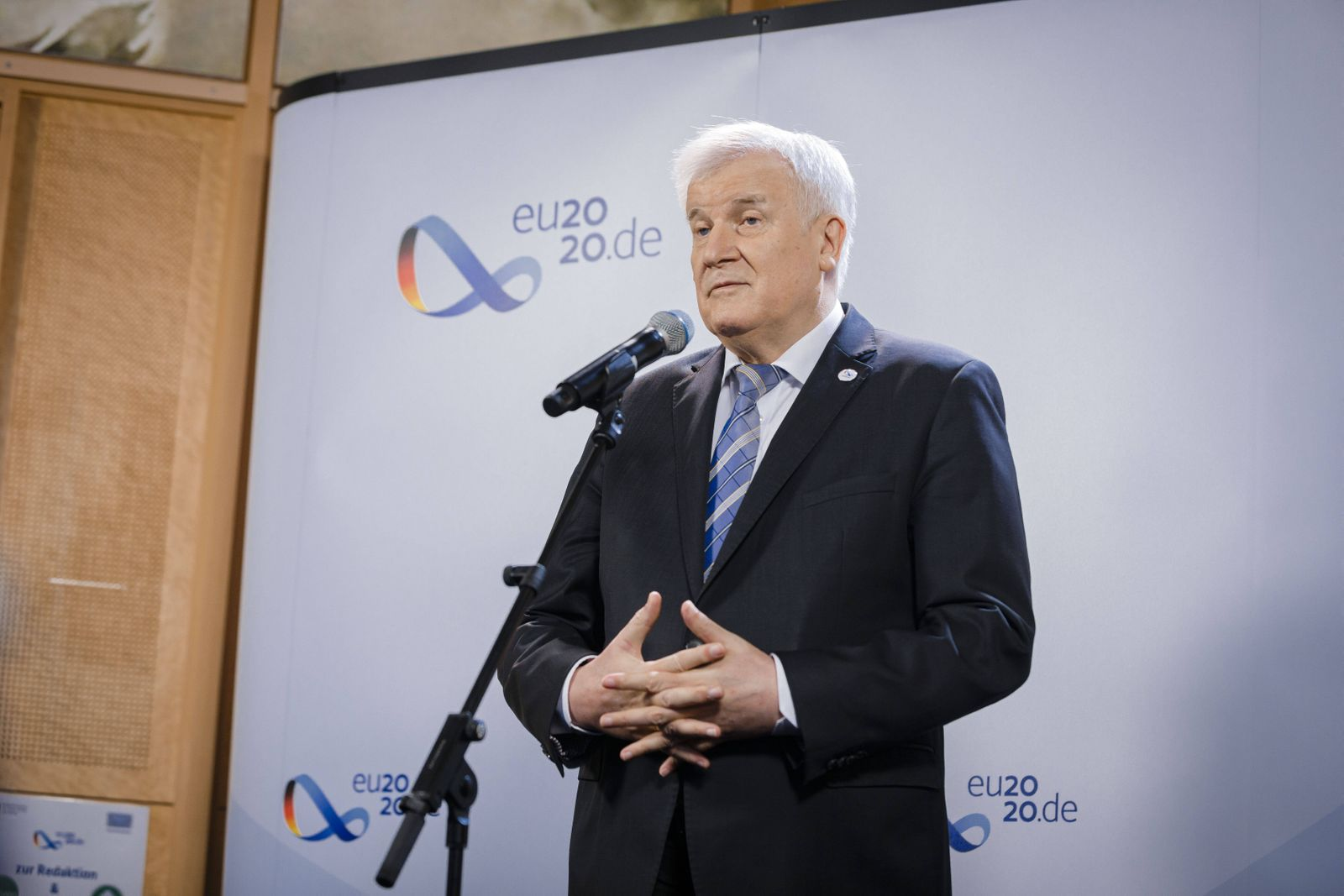 Informelles Treffen der EU Innenminister. Bundesinnenminister Horst Seehofer, CSU, gibt vor Beginn der Sitzung im Bunde