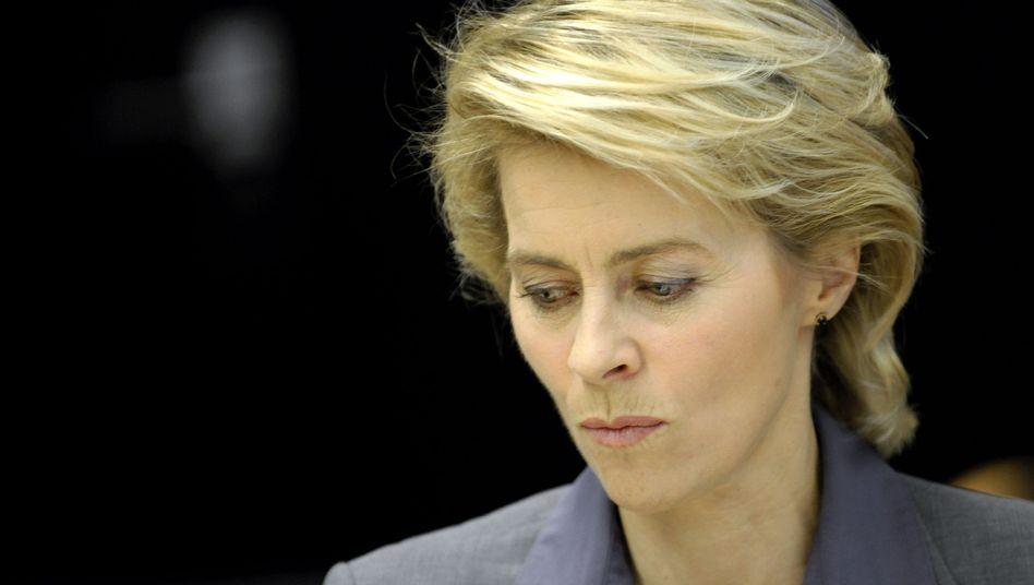 """Arbeitsministerin von der Leyen: """"Nicht auf dem Rücken der Kinder austragen"""""""